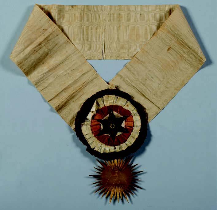 Following the Clues: <br>Early Knights Templar Regalia <br